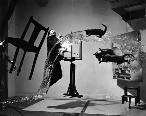 Salvador Dali putting the theory to work.