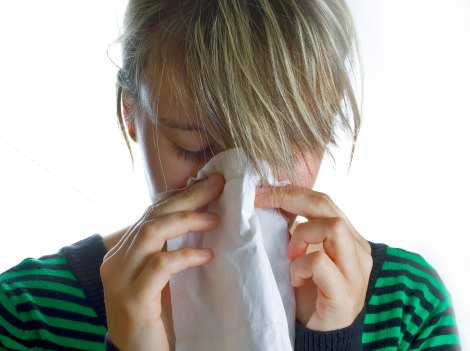 woman_with_tissue