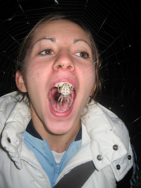 spider_in_mouth_girl
