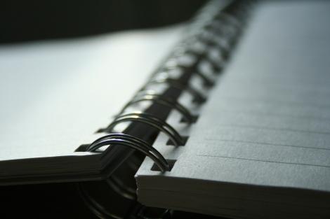 notebook-light-1415798-1920x1280